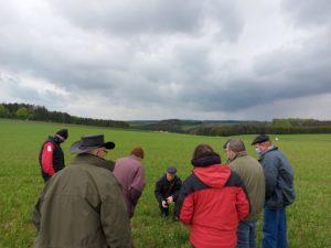 """Zahlreich besuchte Veranstaltung """"erfolgreicher biologischer Ackerbau"""" in Hupperdange"""